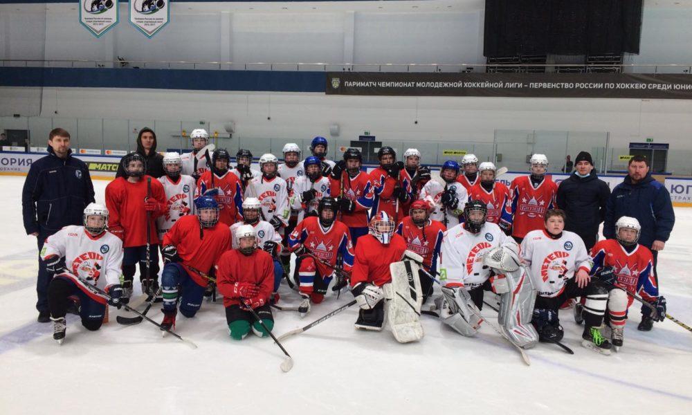 Стартовал турнир по хоккею среди юных хоккеистов на Кубок города Ханты-Мансийска